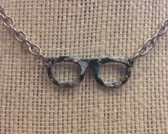 "22"" Teal,White&Brown Speckled Glasses Necklace"
