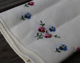 Vintage White Hand Embroidered Floral Napkins - Set of 4