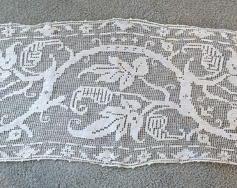 "Gorgeous Vintage Filet Lace Dresser Scarf or Table Runner - 45.5"" x 12.5"""