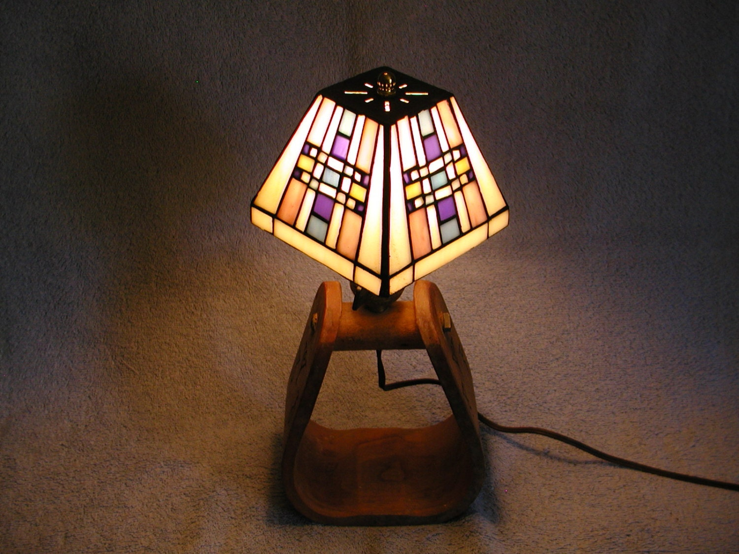 Stained Glass Lamp With Western Stirrup Base