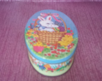 Small Vintage Easter Tin