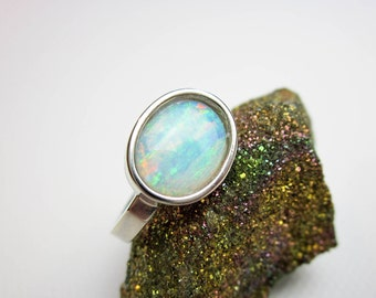 Ring Australian Opal Coober Peby 1.28Ct. & 14K Gold, Modernist Setting by Tampico SF 2015.