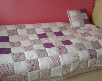Patchwork quilt with matching pillow cover