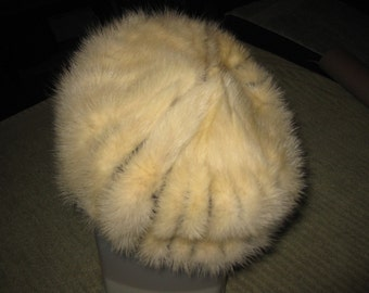 """FUR PILLBOX Vintage Black and White Hat White Fur With Black Fabric Measures 8"""" Across Bottom"""