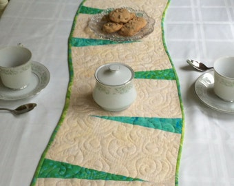 Modern Table Runner, Minimalist Table Runner, Table Runner, Table Topper, Wall Hanging, Quilted Table Runner, Art Quilt