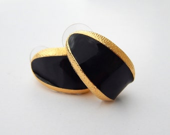Vintage ANNE KLEIN Black Enamel and Gold Earrings, 1980's Gold Tone Clip-Ons, Chic Black and Gold Curved Earrings Anne Klein, Estate Jewelry
