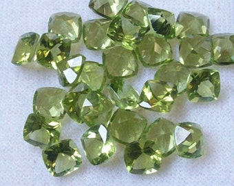 25 Pieces Lot Natural Peridot Cushion Shape Faceted Cut Loose Gemstone