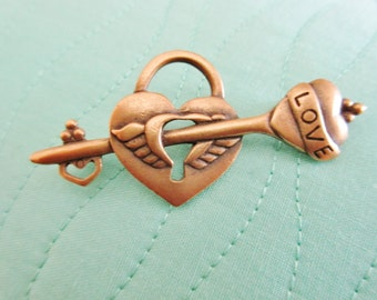"""Vintage GUESS """"Key to My Heart"""" Brooch"""