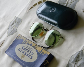 True Vintage Rare  Bausch and Lomb BL1 Green Lenses Ful Vue 23 Safety Goggles, Sunglasses 1940's WW 2. NOS.