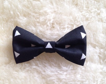 Baby Boy Toddler clip-on bow tie black with white triangles