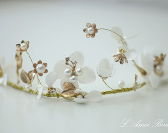 Ivory white whimsical Flower Wedding Bridal Crown Tiara Circlet Headpiece