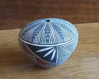 Native Acoma Indian Miniature Seed Pot
