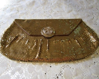 PRICE REDUCED: Vintage Whiting and Davis Mesh Clutch Purse