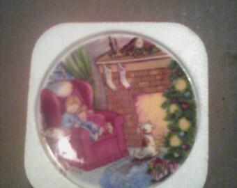 1988 Hallmark Collector's Series Waiting for Santa Porcelain Plate