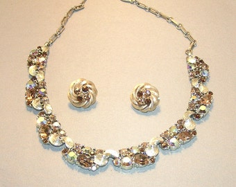 SALE 25% Off:  LISNER Beautiful Gold, Champagne and Light Brown Rhinestone Necklace with Earrings
