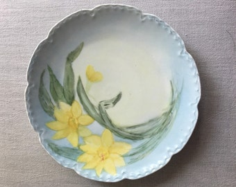 Vintage Lily Plate