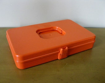 Vintage 70s thread box - Wilson Wil Hold - orange plastic-sewing storage- craft storage - bobbin case -Wilson Mfg Corp -sewing box
