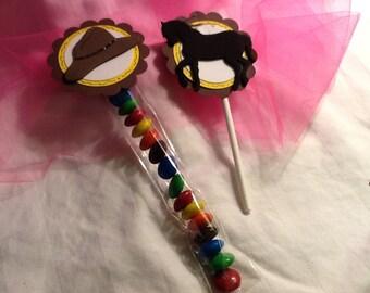 18 piece cowboy/cowgirl cupcake topper set