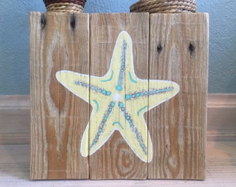 Starfish on pallet wood coastal decor