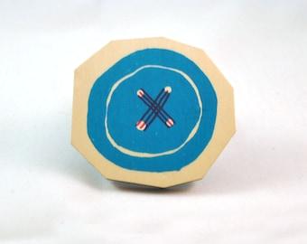 Brooche button