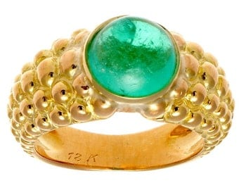 Bright Cabochon Emerald Gold Ring