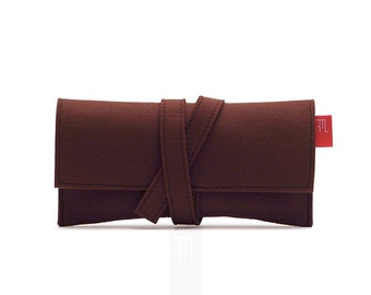 Brown clutch bag inspired by traditional Japanese Obi belt, also perfect as a wallet or tabac box, made in vegan soft Italian felt.