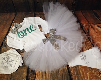 Baby Girls First Birthday Outfit / Winter Birthday Outfit / 1st Birthday Outfit / Snowflakes