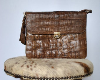 Vintage LEATHER HANDBAG , shoulder bag  .....(228)