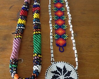 """Set of 3 vintage Native American """"Pow-Wow"""" beaded jewelry pieces"""