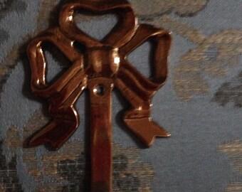 Brass Bow Hook Hanger
