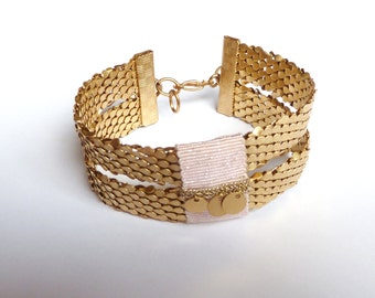 Spangled Pink cuff bracelet, Lurex, pendants and scales in varnished Brass