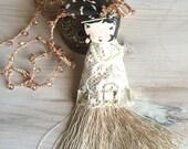 Charleston ladies, white tassel, crochet long necklace.