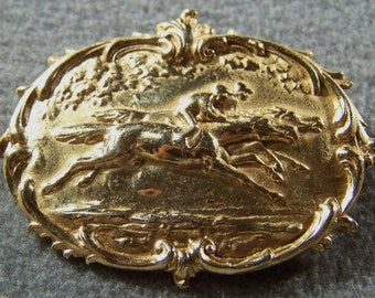 Vintage Yellow Gold Tone Equestrian Fancy Detailed Bold Pin Brooch Jewelry **RL