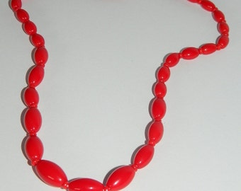 Vintage, Hand Beaded Vivid Red Glass Necklace