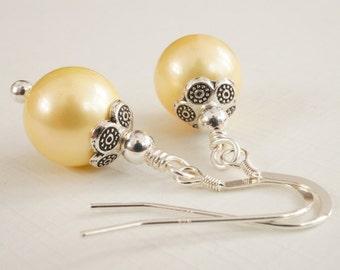Lemon earrings, pale yellow earrings, shell pearl earrings, light yellow earrings, yellow pearl earrings, lemon shell earrings, lemon drops