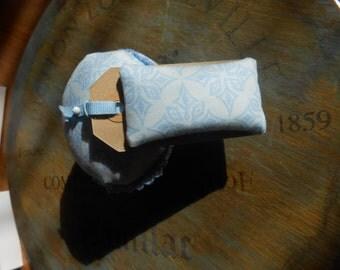 Vintage cup cake tin pin cushion plus needle tag. Free UK postage