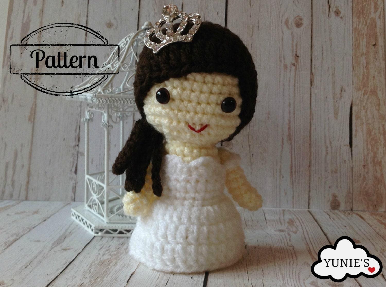 Crochet Pattern Wedding Doll : Crochet Wedding doll pattern : Bride Kirbie in off shoulder