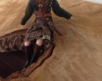 Jamie from Outlander miniature posable art doll Fan Art A new tartan available!