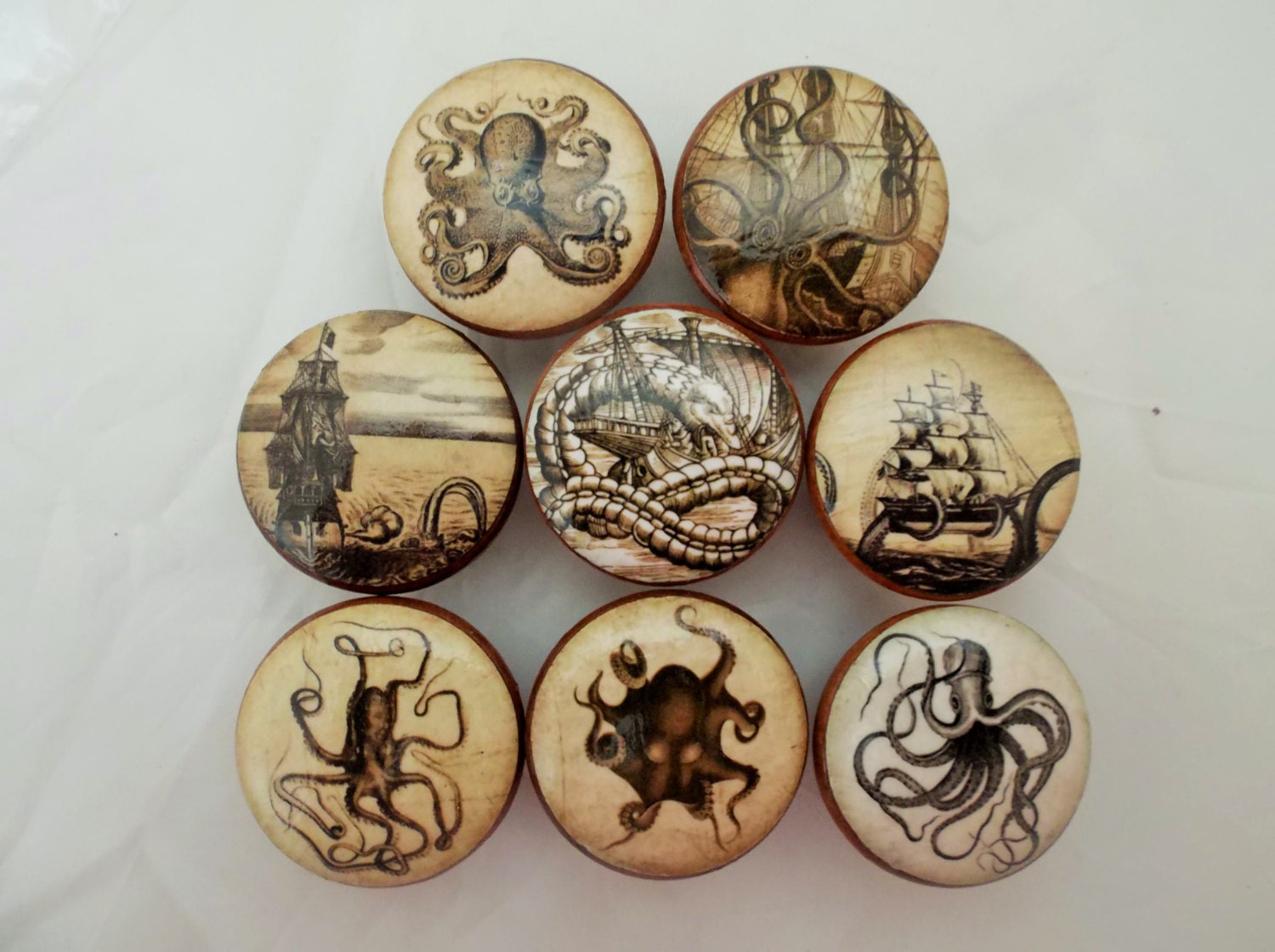 Set of 8 Old World Nautical Cabinet Knobs from