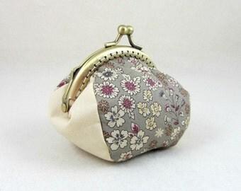 Floral coin purse, handmade coin pouch, change purse, metal frame purse, womens coin pouch