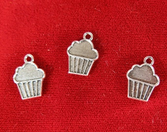 "10pc ""cupcake"" charms in antique style silver (BC1041)"