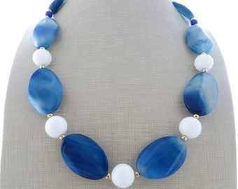 Blue agate necklace, chunky necklace, white agate necklace, gemstone choker, large bead necklace, beaded necklace, stone jewelry, bijoux