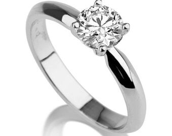 Beautiful 1.50ct White Sapphire Engagement Ring White Gold 14K