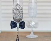 Wedding glasses, Black and white toasting wedding flutes, MR & Mrs wedding glasses Lace wedding flutes Personalized wedding glasses