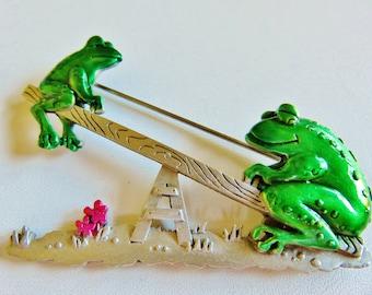 JJ Jonette See Saw Frogs Brooch Pin