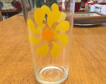 Vintage Hazel Atlas Yellow Daisy/Pinwheel Tall Sour Cream Glass