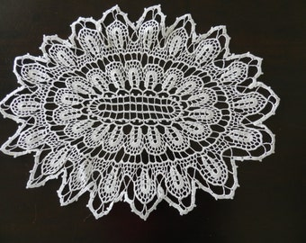 Vintage Handmade White Crochet Napkin Doily Tablecloth Oblong Round Knitted