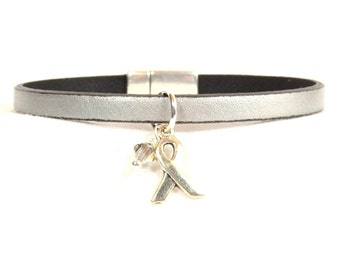 Juvenile Diabetes Awareness Bracelet - Silver 5mm Flat Leather with Magnetic Clasp  (5A-142m)