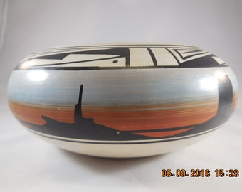 Navajo bowl in gray, red and black.
