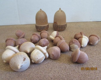 Smoky Mountain Acorn S&P Shakers with Acorn Decorations - 21 pieces